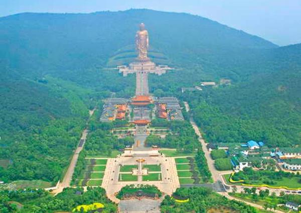 第四届世界佛教论坛开幕 50余国高僧大德庄严步入会场