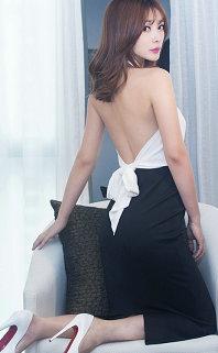 魔鬼的身材!柳岩大秀事业线 白衣黑裙秀裸背显妖娆