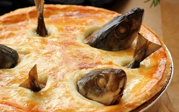 仰望星空 (stargazy pie)