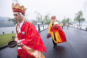 杭州马拉松:法海游西湖
