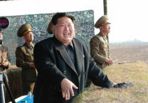 金正恩視察指導朝鮮人民軍火箭發射