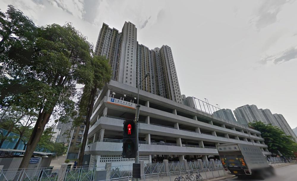 图:林子峰拆售兆麟苑停车场的车位图片