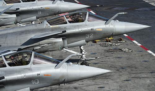 法航母就位今大舉空襲ISIS 英擬聖誕前加入空襲