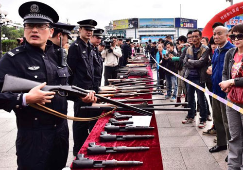 桂林警方打擊涉槍涉爆犯罪 收繳大量槍支彈藥
