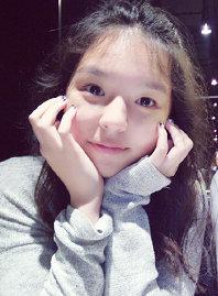 哈文李詠女兒竟這麼可愛!小臉圓圓皮膚白皙仙氣足