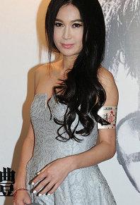 50歲温碧霞出席《踏血尋梅》首映面部顯浮腫 集郵昔日女神