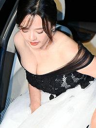 又见红毯!第36届韩国青龙电影节 女星齐秀事业线