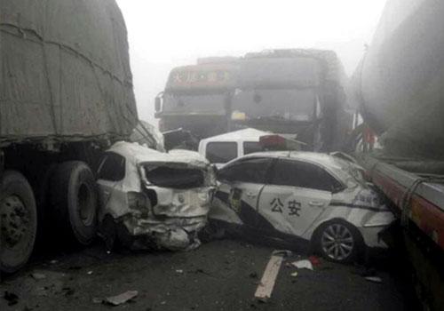 山西高速公路29車相撞 已造成4死5傷