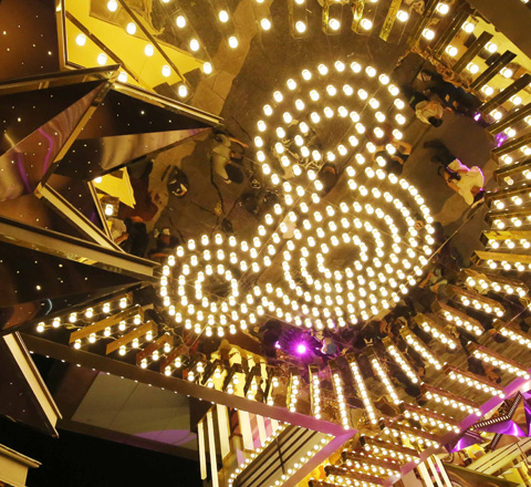 香港最美的商場聖誕燈飾 以夢幻點燃遊客購買力