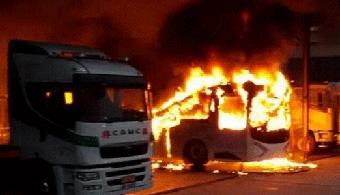 【图说车事】香港电动巴士自燃