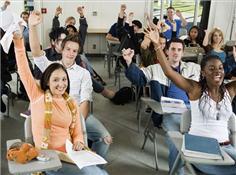 记者蹲点美国高中:学生每天只睡4小时 灌4罐咖啡