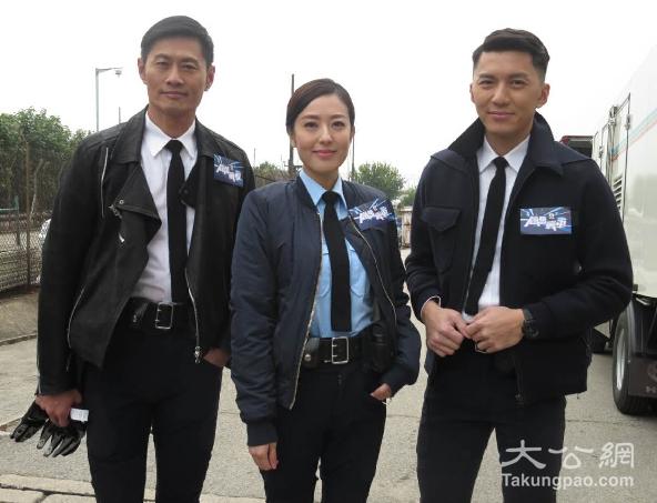 黄德斌,唐诗咏及袁伟豪一起为新剧拍宣传片.