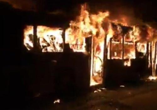 银川公交车突发大火