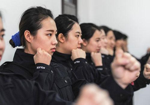 """哈尔滨市公安局巡特警支队""""警花出更"""""""