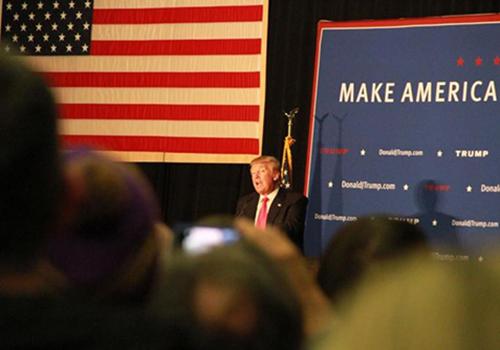 新罕州初选结果揭晓 特朗普、桑德斯赢党内对手