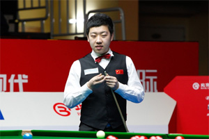 李行2-4告负出局 4位中国选手挺进威尔士赛32强