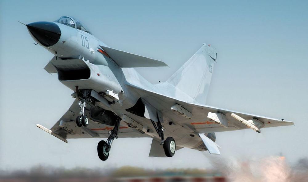 图:歼10是一款单发,多功能,采用鸭式气动布局的中型战斗机 资料图片图片