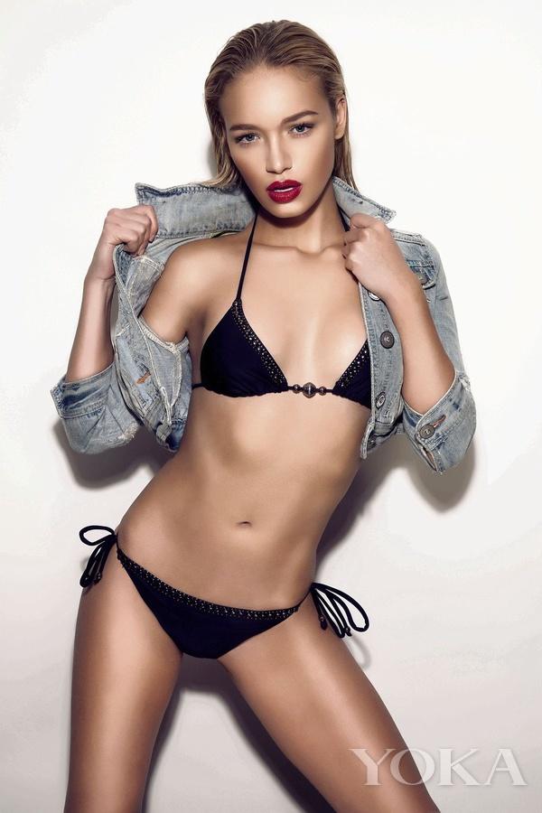 24岁英国嫩模Roxy Horner