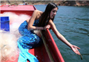 """女大学生丹江化身""""美人鱼""""呼吁禁渔期不捕鱼"""