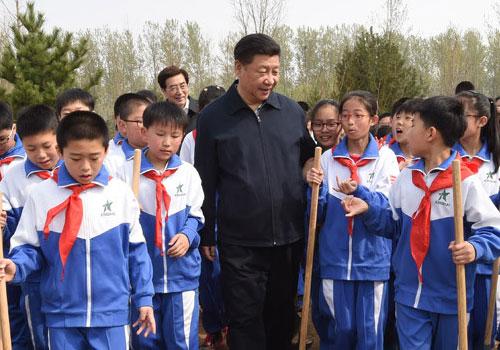 七常委参加首都义务植树活动