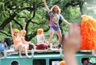全球最大规模艺术车游行美国登场