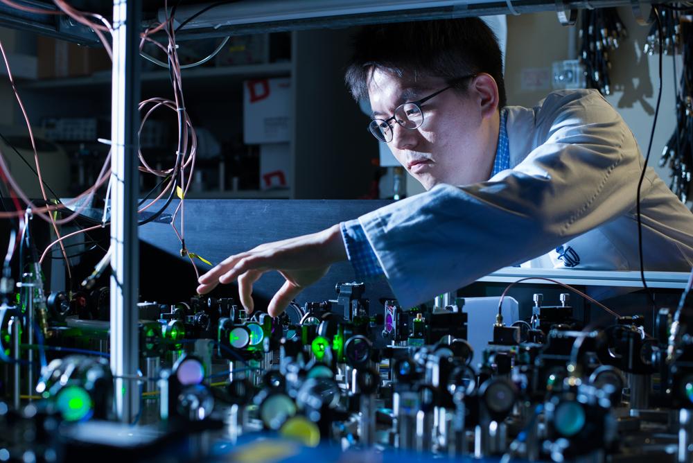 冷原子局域性质的高解像度光学显微镜