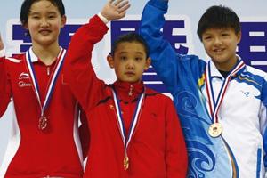 世界跳水冠军任茜奥运选拔赛摘银 不敌12岁萌娃