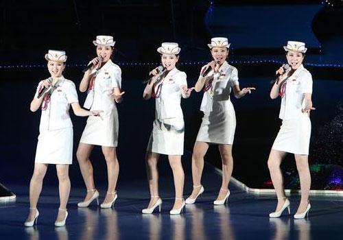 朝鲜艺术团体举行联合公演庆祝七大闭幕