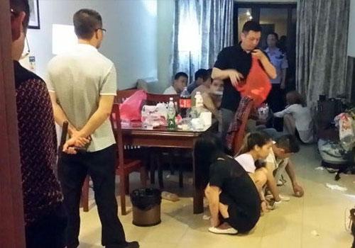 """廣東4女7男開房喝""""奶茶"""" 多人裸身被抓"""