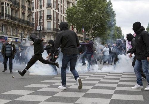 法國反對勞動法改革遊行引發暴力衝突