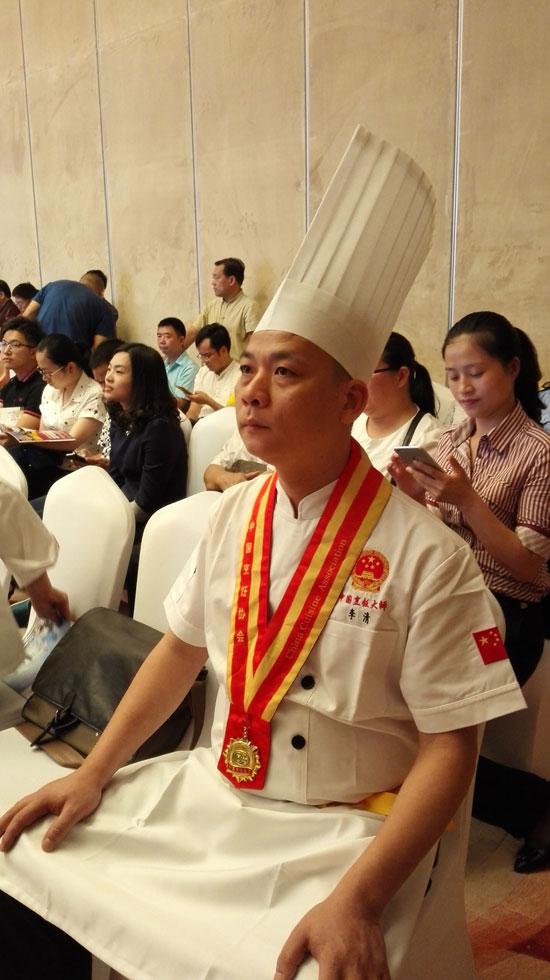 福建省餐饮烹饪行业协会会长林小龙说:闽菜是我国著名的八大菜系之图片