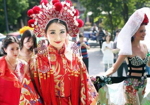 全球生態旅遊小姐亮相南京