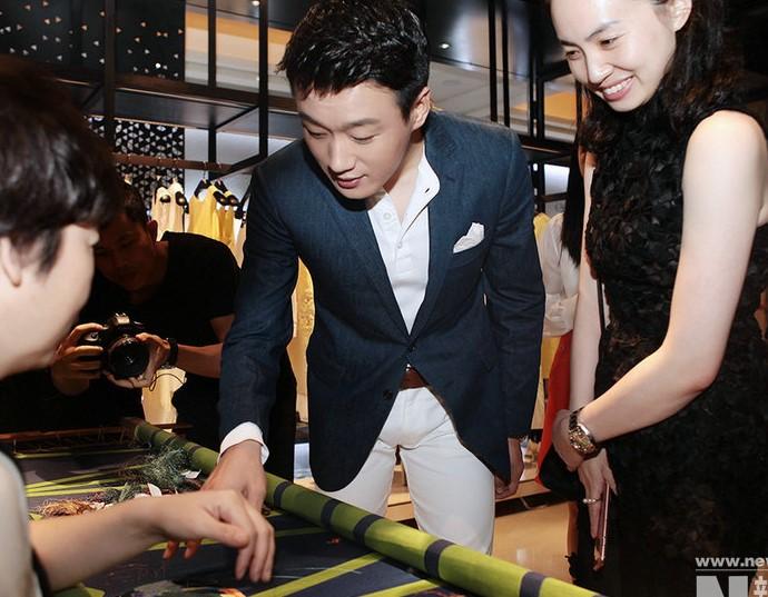 佟大為手工藝展分享匠人精神 將赴巴黎參加時裝週