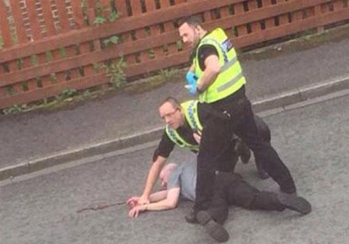 英国女议员公投前街头遭枪击身亡