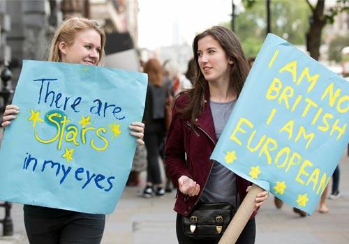 不满脱欧结果 英国逾百万人联署要求再公投