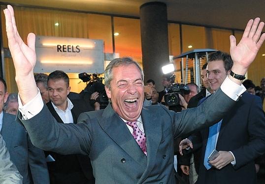"""英国脱欧八因素 """"每周省3.5亿英镑""""口号得人心"""