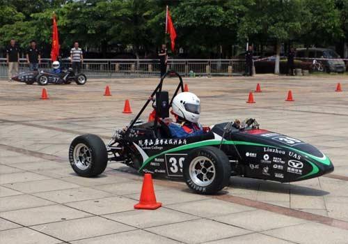 大学生造电动赛车 参加德国方程式