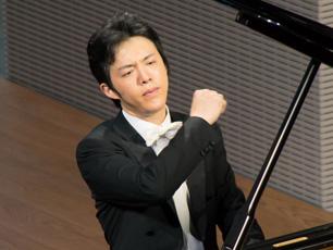 """钢琴男神李云迪""""周末很忙"""" 传递爱与执着的能量"""
