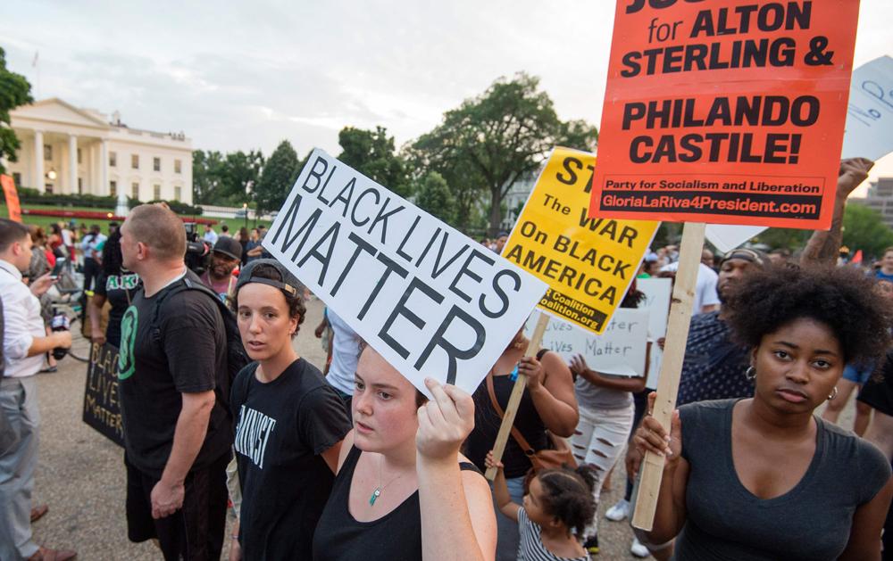 7日,纽约,芝加哥,弗格森和华盛顿等多个城市爆发大规模示威活动