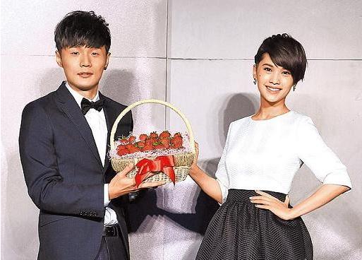 楊丞琳疑示愛李榮浩:我家今天有人過生日