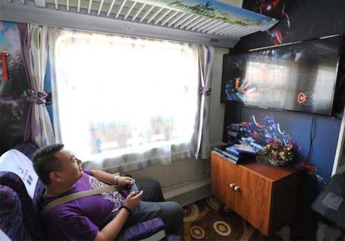 """健身房游戏室茶座""""搬""""上兰州列车"""