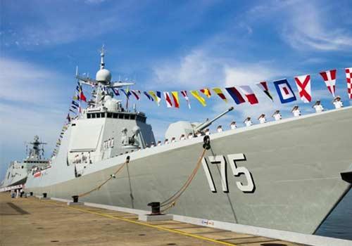 新型导弹驱逐舰银川舰加入海军战斗序列
