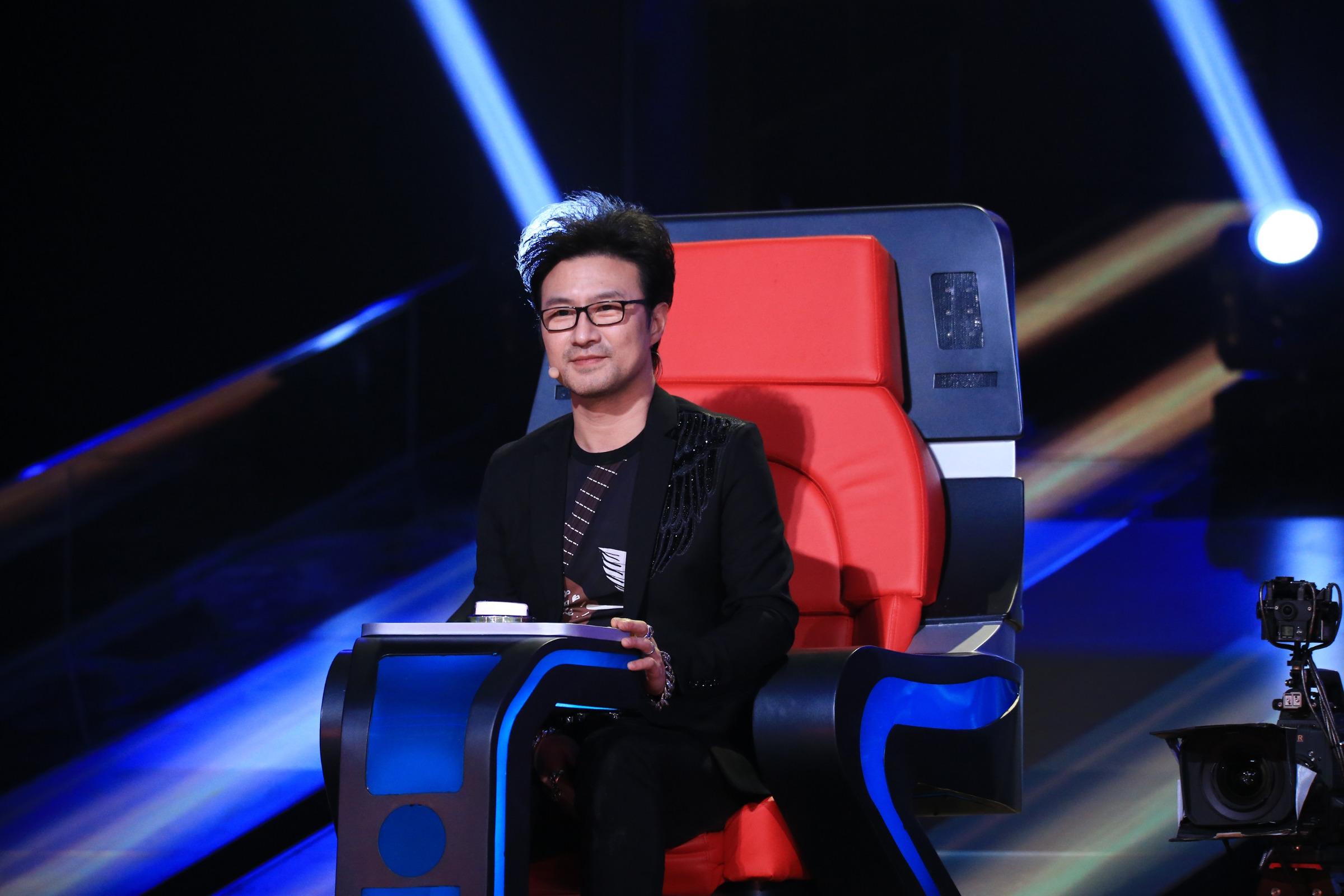 《中國新歌聲》學員唱《無處安放》 汪峰:寫給子怡的
