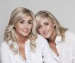 世界最相像三胞胎姐妹花:同吃同住同樣三圍
