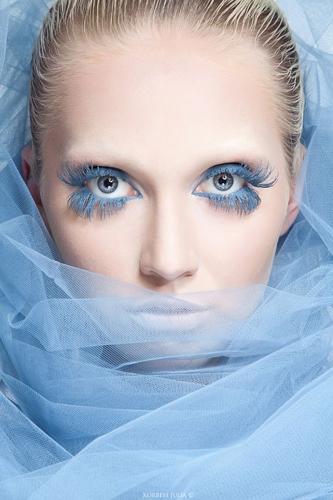 藍色—睫毛膏