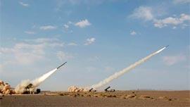 解放军演练火箭炮跨海打击