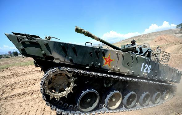 中国陆军合成营强化多功能作战