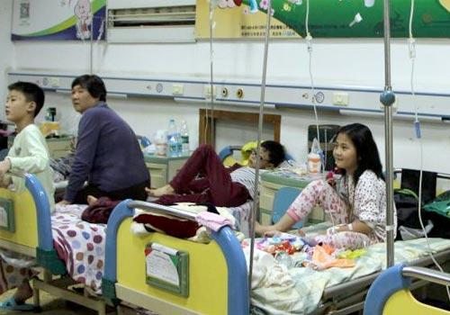 河北正定一学校多名学生入院 初步确诊为食物中毒