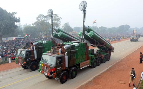 俄罗斯帮印度提升军力 外媒:有意针对中国