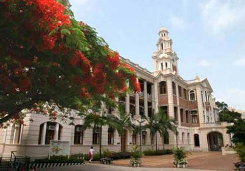 谁说去香港上大学风光不再 此时赴港读书正当时